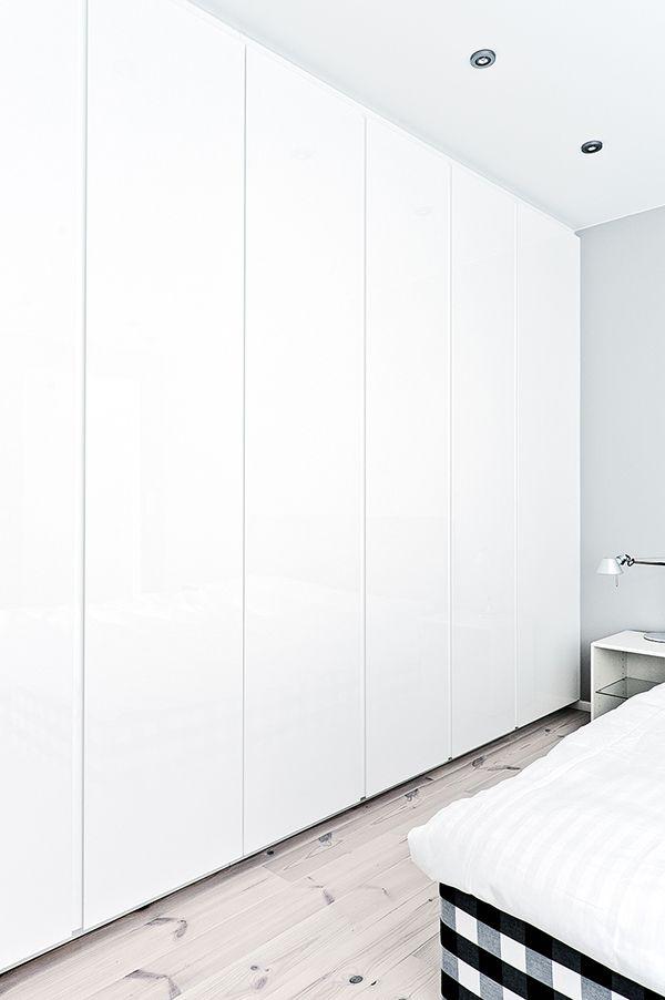 Kylpyhuoneet ja säilytystilat   Saari