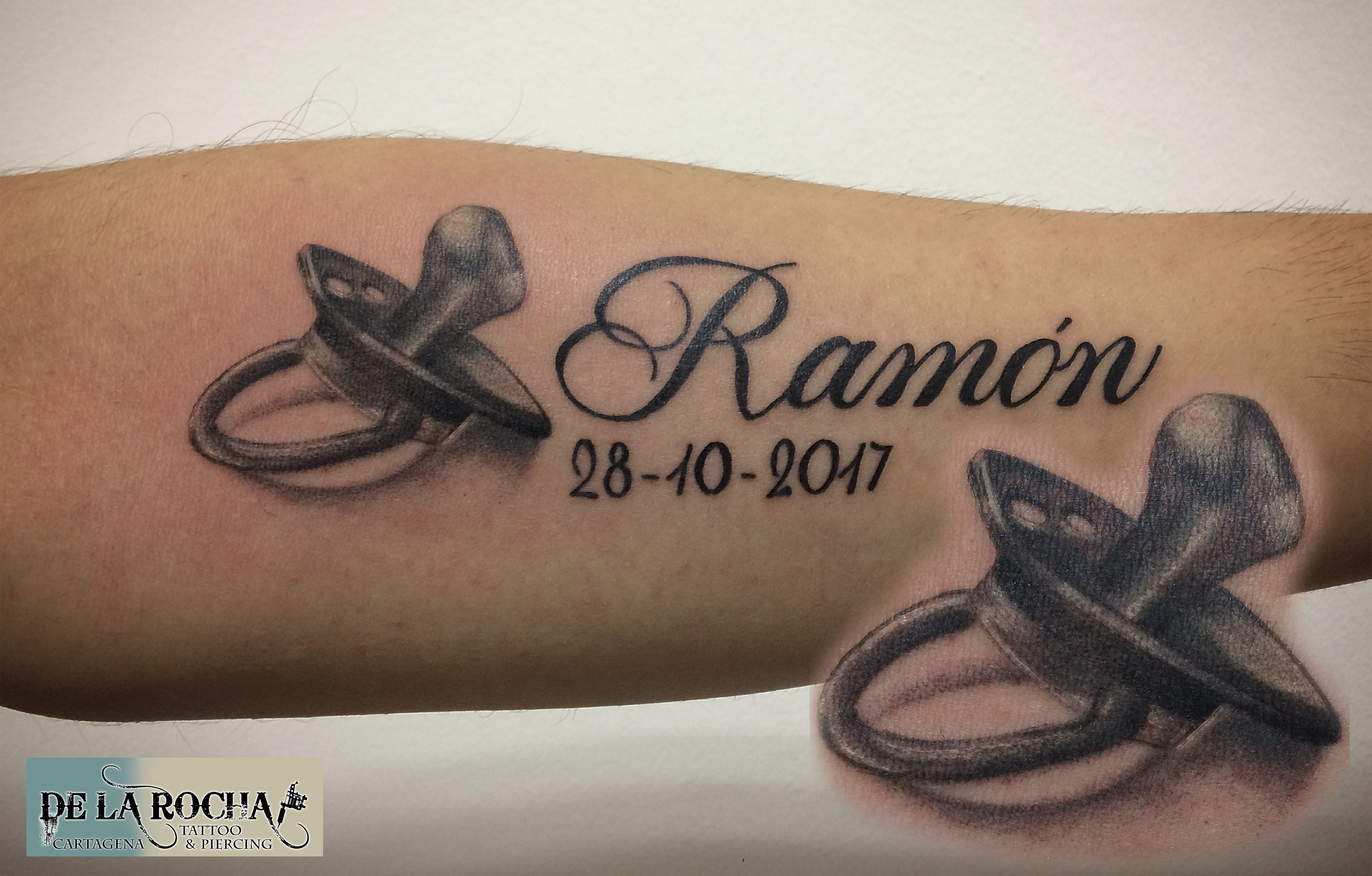 tatuaje chupeta realista trabajos tattoo pinterest tattoo. Black Bedroom Furniture Sets. Home Design Ideas