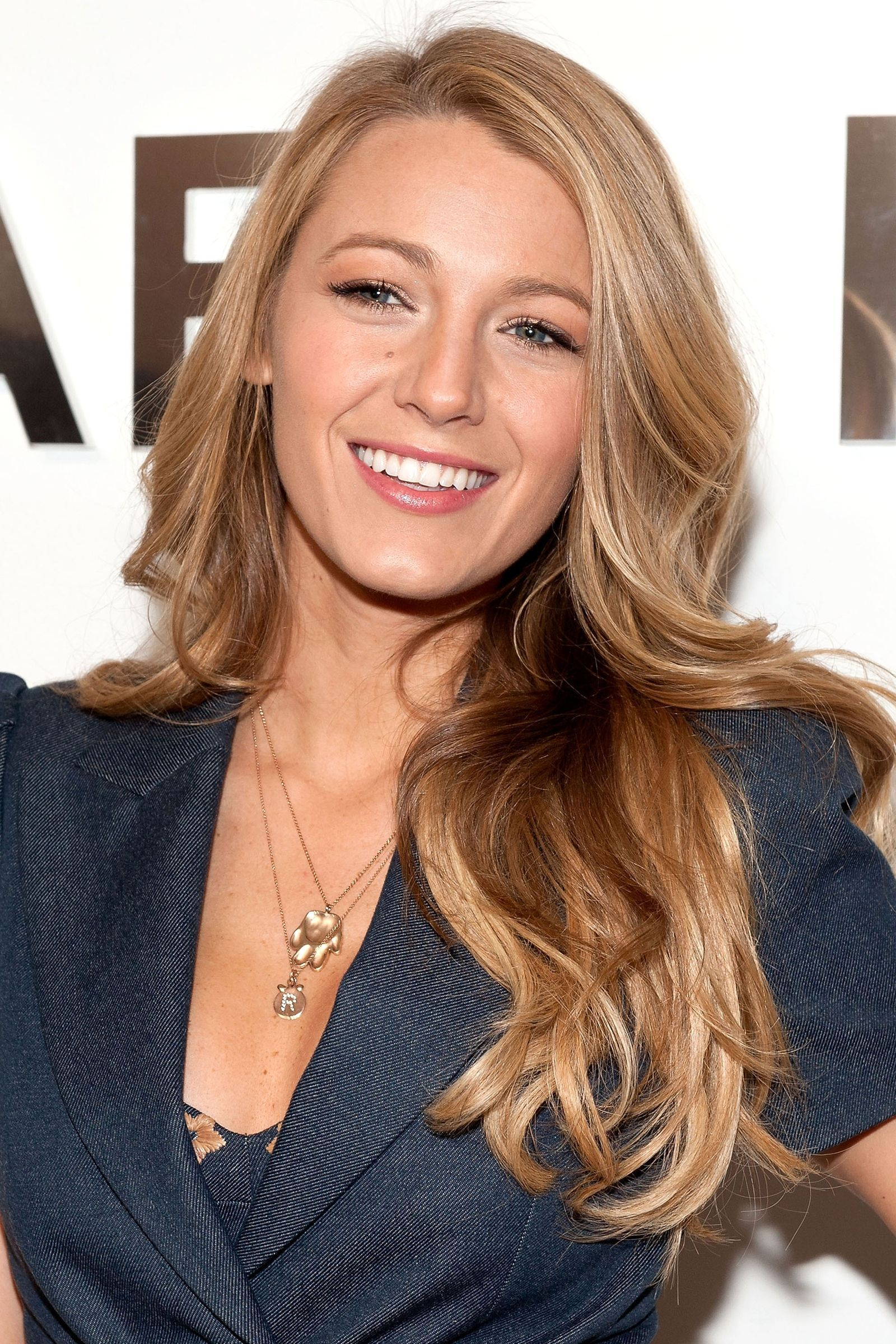 Blake Lively's Long Hairstyles: Blonde Straight Hair recommendations
