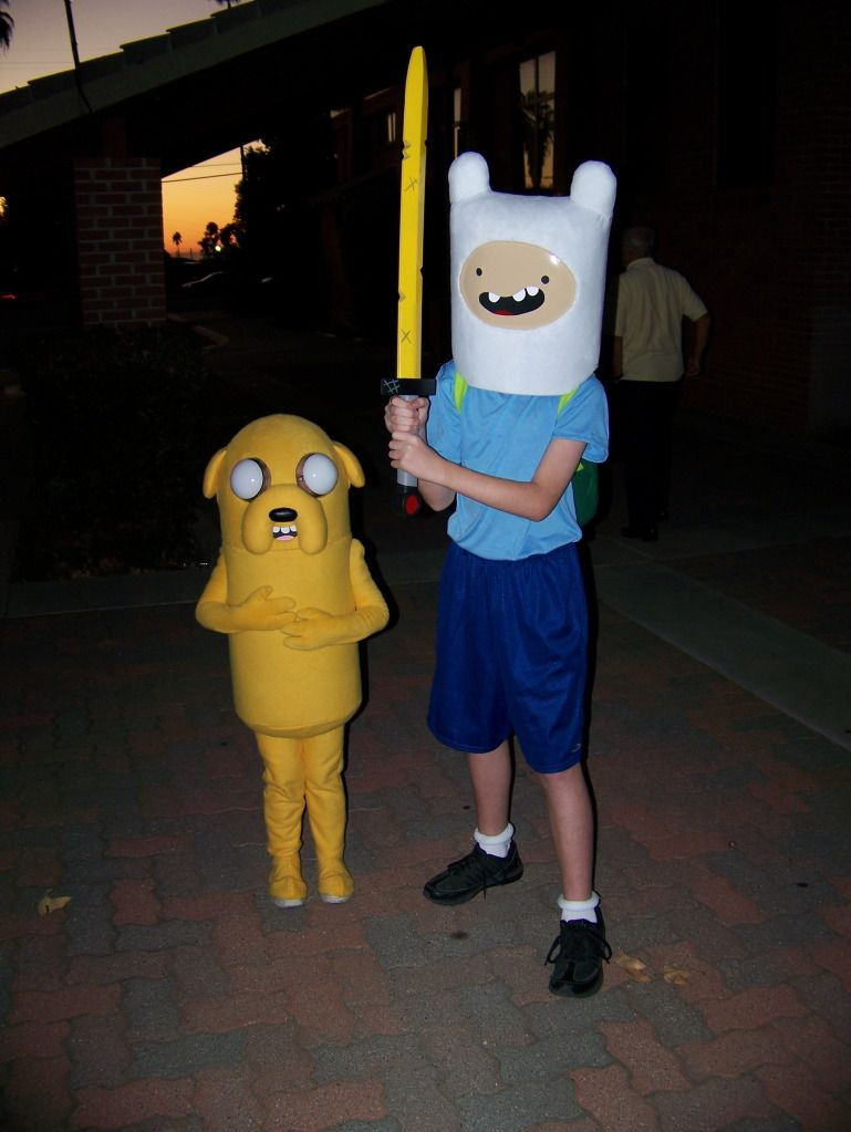 dad builds his kids an awesome finn and jake costume. | one day