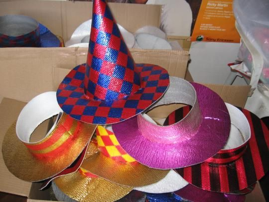 Sombreros de cotillon paso a paso - Imagui | Cotillón para Grandes ...