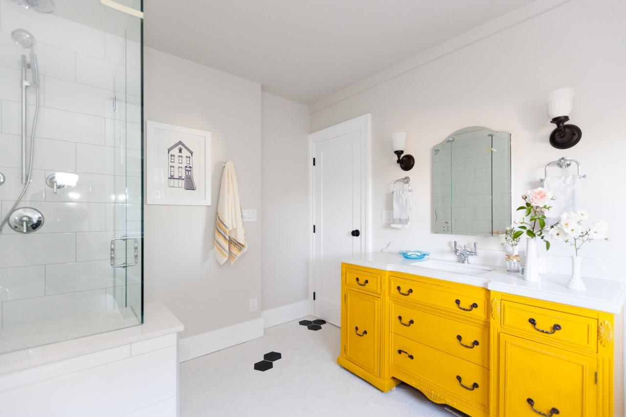 Check Out These 10 Stylish Ways To Incorporate Yellow In Your Bathroom Design