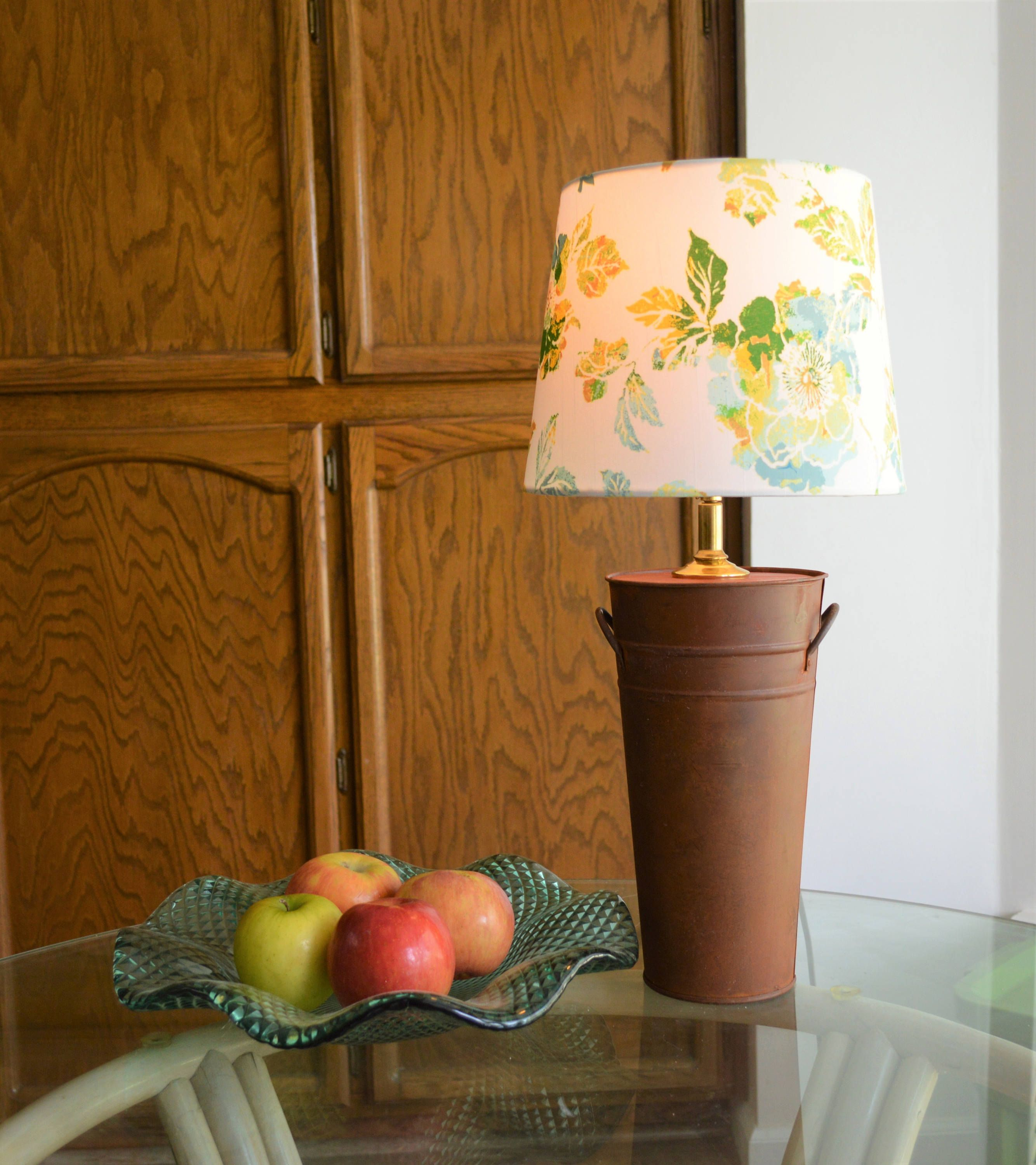 Rustic Farmhouse Style Metal Base Table Lamp with Floral