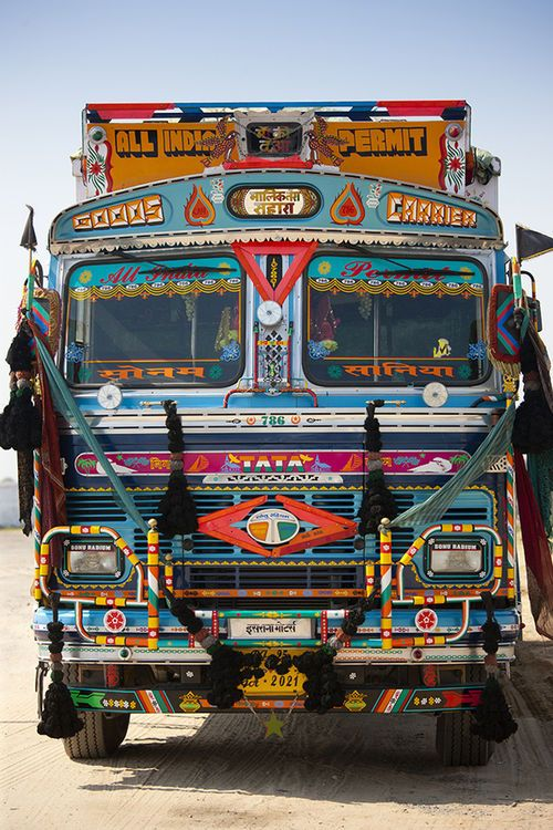 To Ride In A Indian Truck With Images Truck Art India Trucks