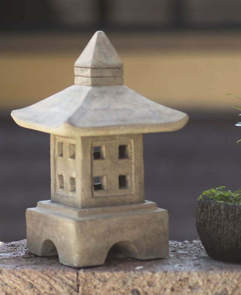 Japanese Style Zen Garden Lantern Cast Stone Japanese Stone Lantern Pinterest Garden