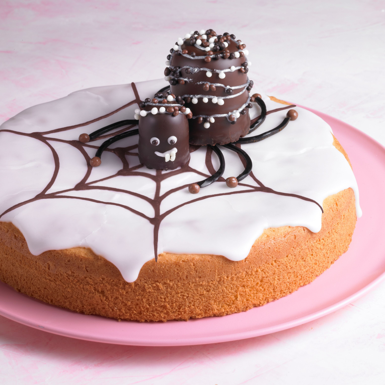 Süße Spinnen auf Zitronenkuchen Rezept Helloween