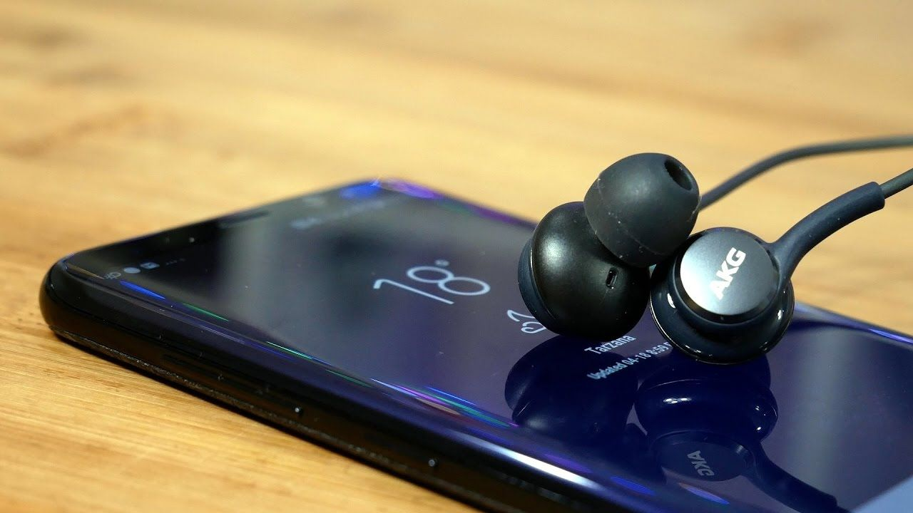 Phone Accessory Galaxy S8 Akg Earbuds Review Best Phone Accessory Of 2017