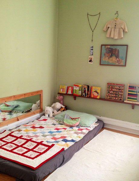 Modernplay mag ni os cama en el suelo for Cuartos montessori para ninas
