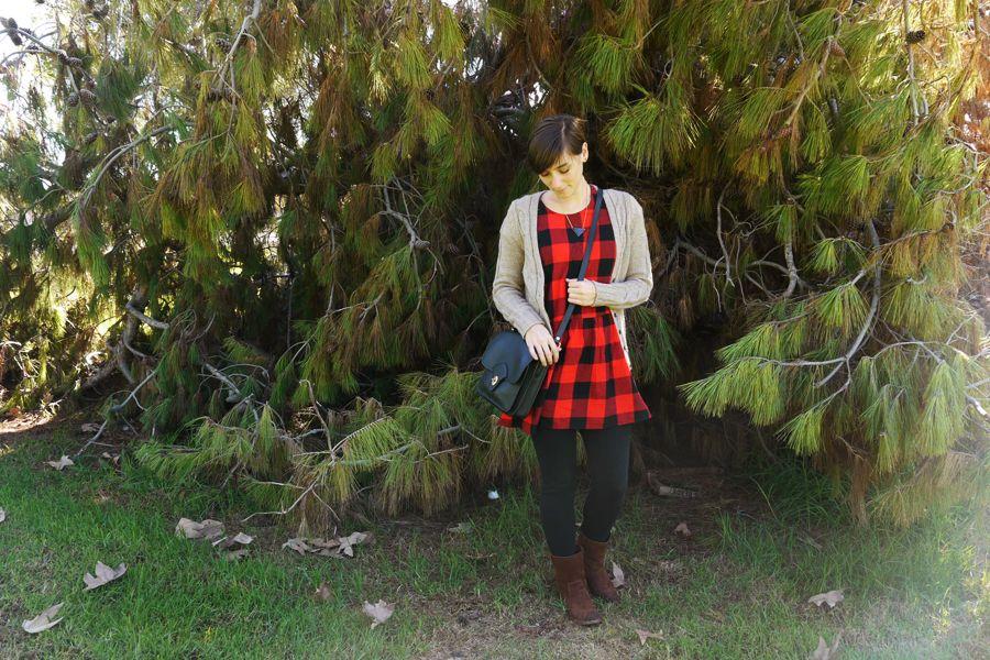 ootd-red-black-plaid-dress-black-leggings-brown-boots-vintage-purse-02.jpg 900×600 pixels