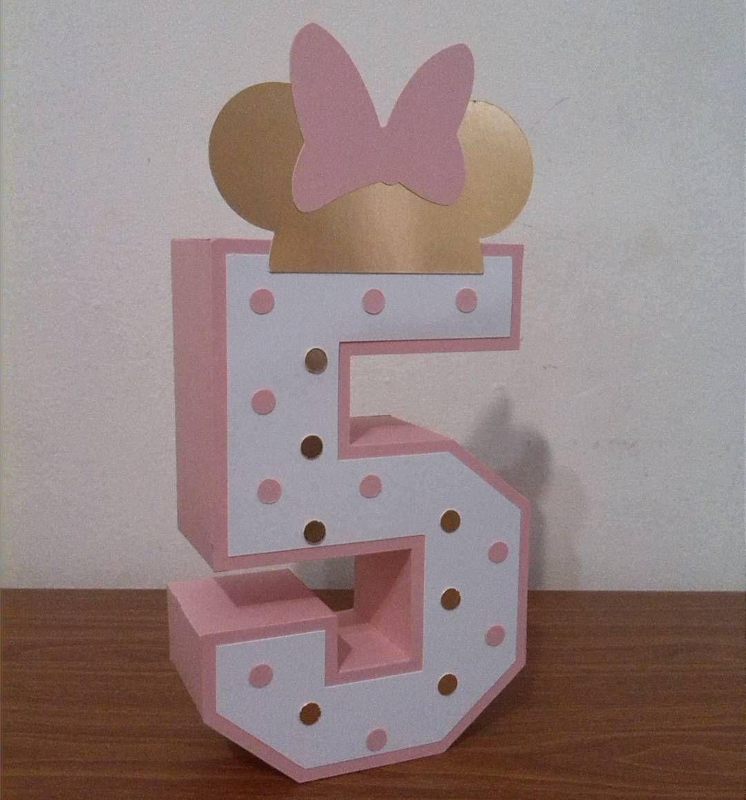 Número 5 3d Elaborado En Cartulina Con Motivo De Minnie Gold Letras3d Numeros3d Minniegold Christmas Cards Mini Mouse Cards