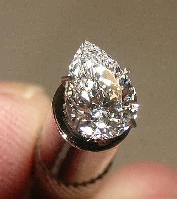auctioned group peace rapaport sierra auction carat for leone cbs than diamond found freetown news more in