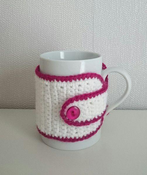 Tasse Mit Gehäkeltem Tassenwärmer Von Den Lille Kreativbutik Auf