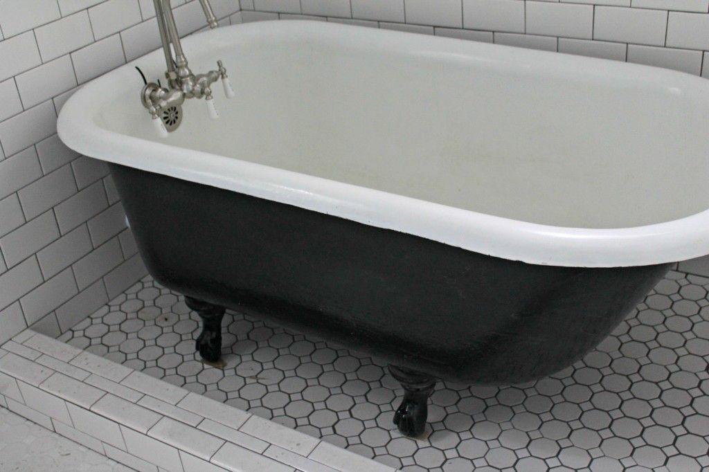 How To Paint An Iron Clawfoot Tub Clawfoot Tub Tub Refinishing