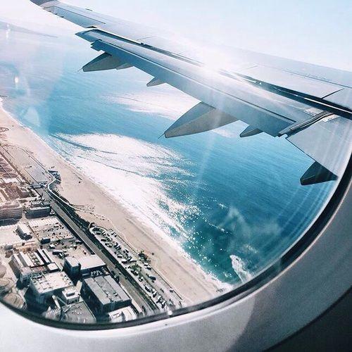 Imagen de travel, plane, and beach