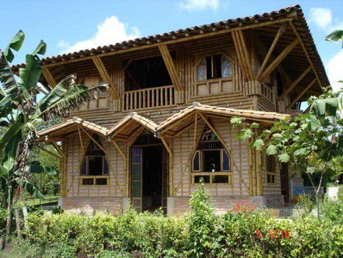 http://culturadeco.com/2010/07/08/casas-de-bambu-bambhouse/