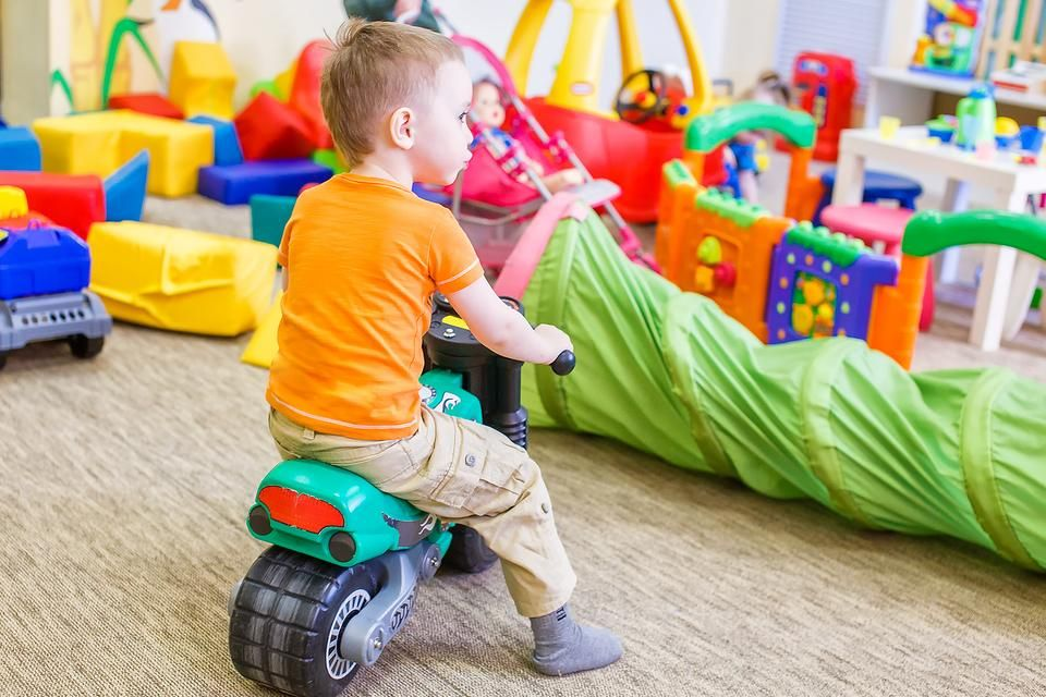 Taming Toys: 7 Steps to Take Back Your House & Your Sanity! #30secondmom