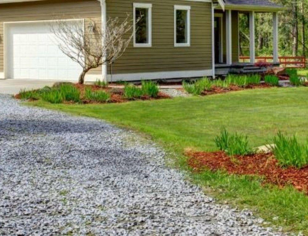 Gravel Driveway Maintenance That Won T Break The Bank Gravel Driveway Stone Driveway My House Plans