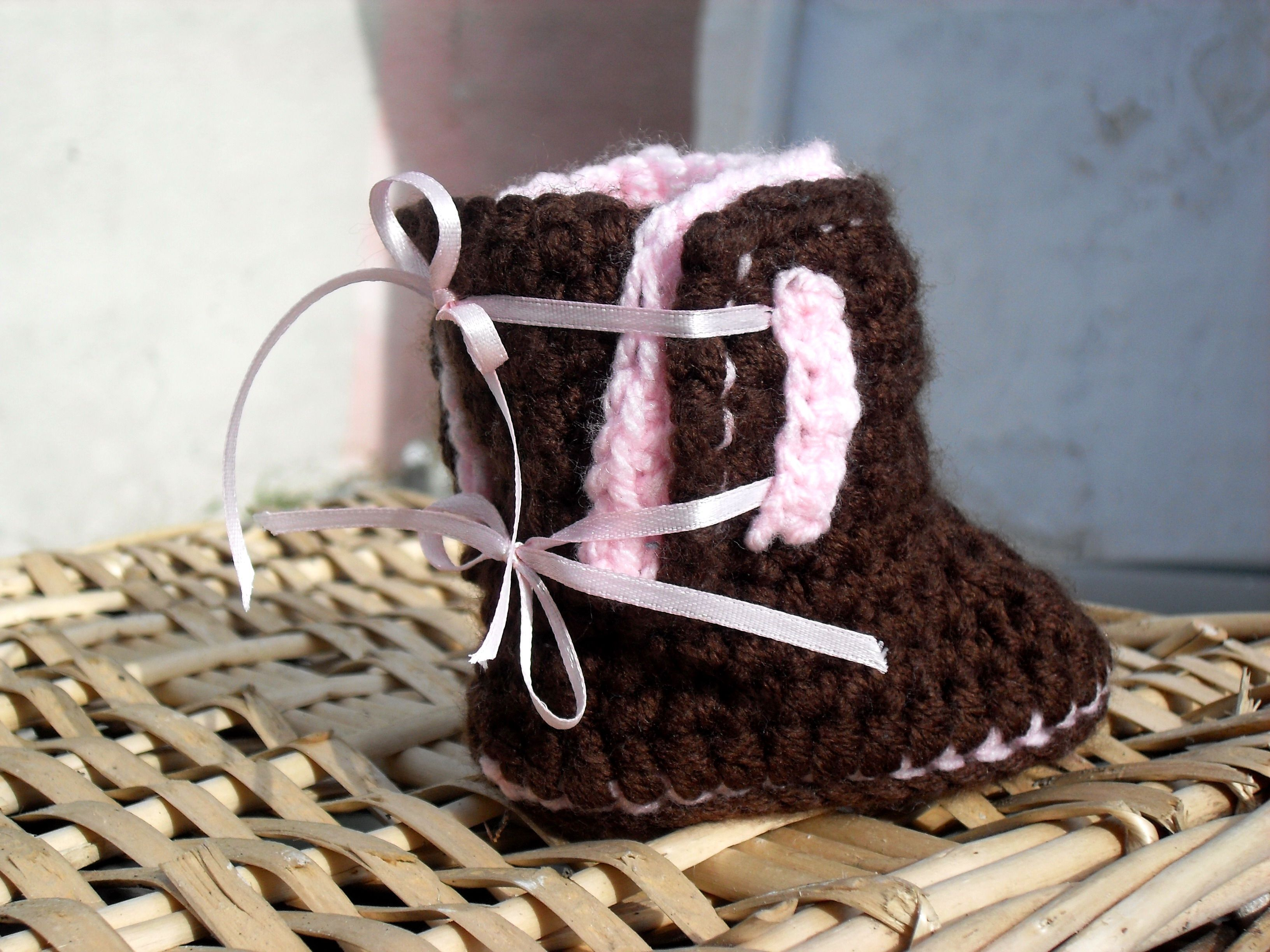 Ugg Style Baby Booties-Crochet Pattern