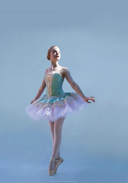 elle fanning. She is a top class actress and a ballerina???? wow. I am absolutely charmed by this young lady!