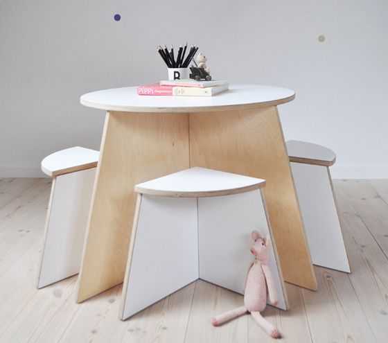 Maltisch f r vier kleine k nstler design m bel einrichtungsidee inspiration wohnen - Kinderzimmermobel baby ...
