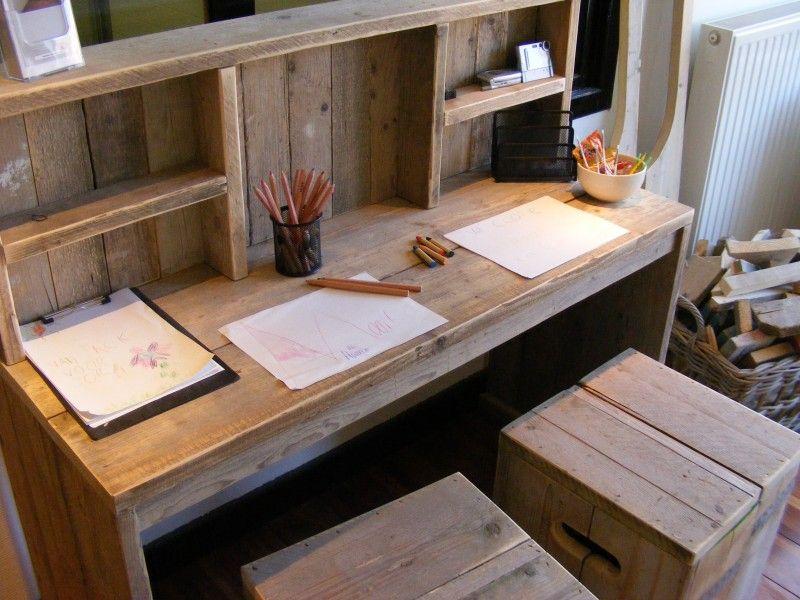 Bureau tafel van oud gebruikt steigerhout met opzet kast for Bureau van steigerhout maken
