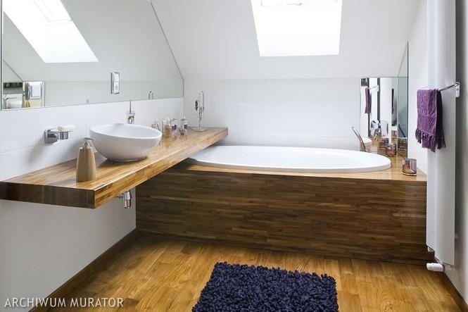 Aranżacja łazienki na poddaszu - wanna pod skosem | wanna pod skosem on color design, er design, berserk design, setzer design, dy design, l.a. design, pi design, dj design, blue sky design, ns design,