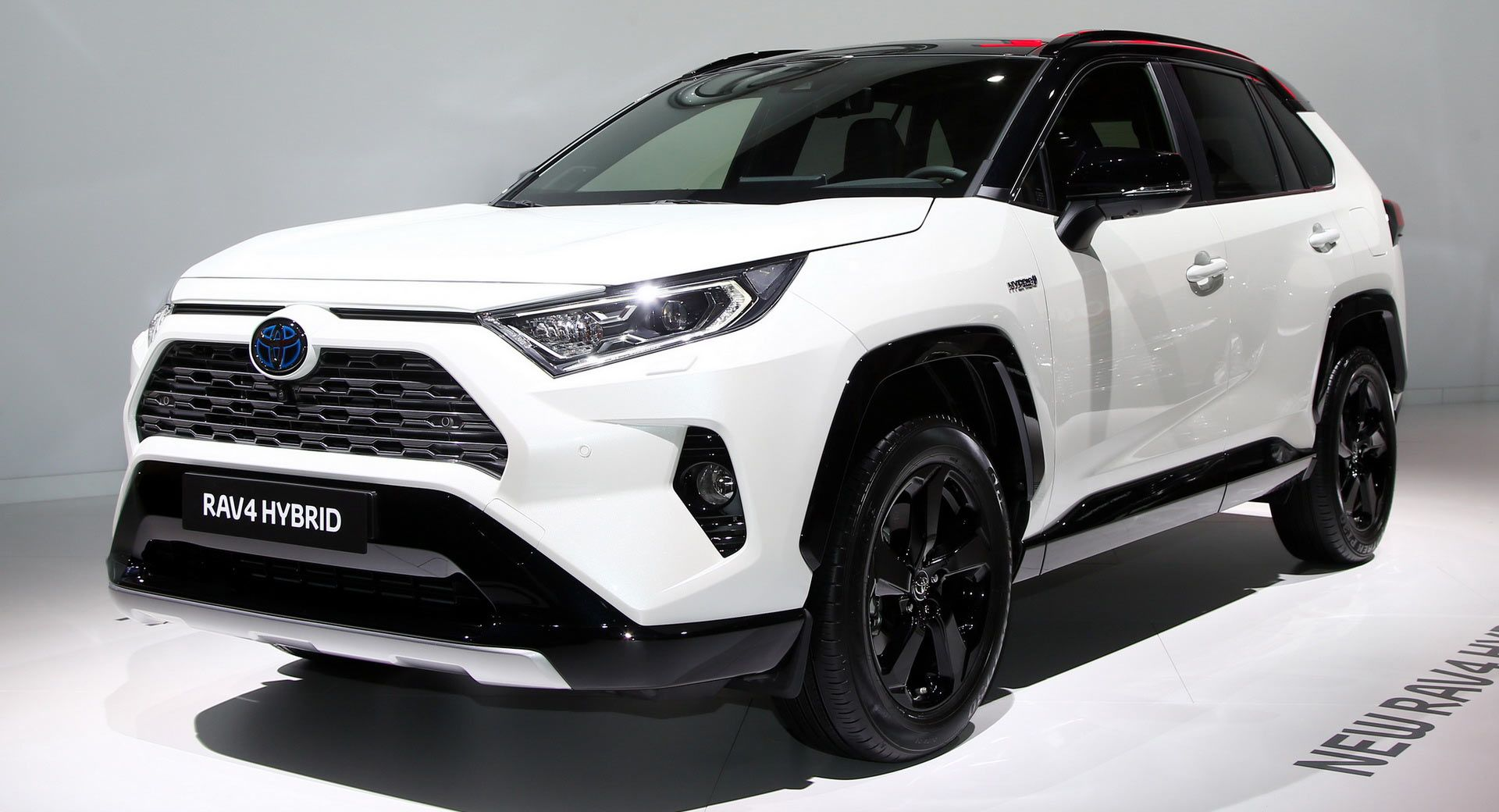 Europe S 2019 Toyota Rav4 Hybrid Debuts In Paris With 219 Horses