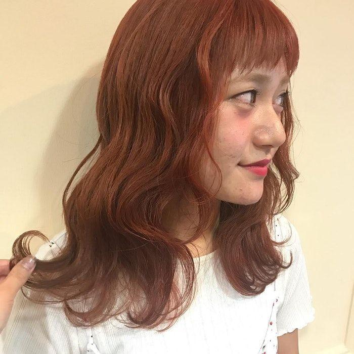 オレンジ ブラウン 髪 色