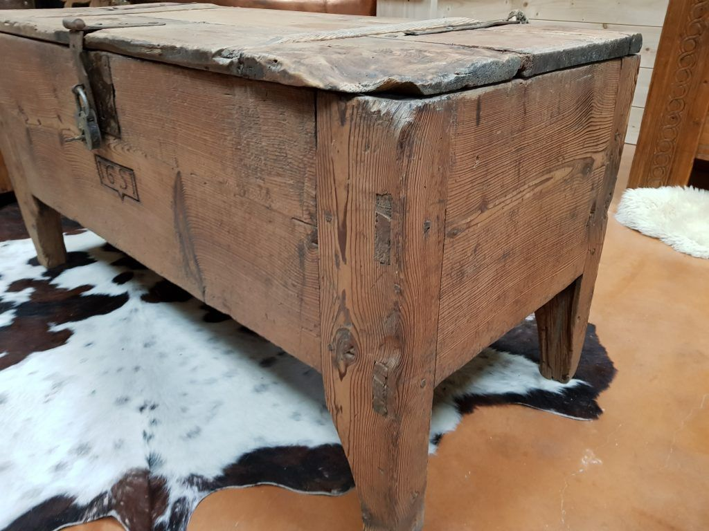 Coffre Ancien Meleze Meubles Deco Seythenex Faveerges St Ferreol