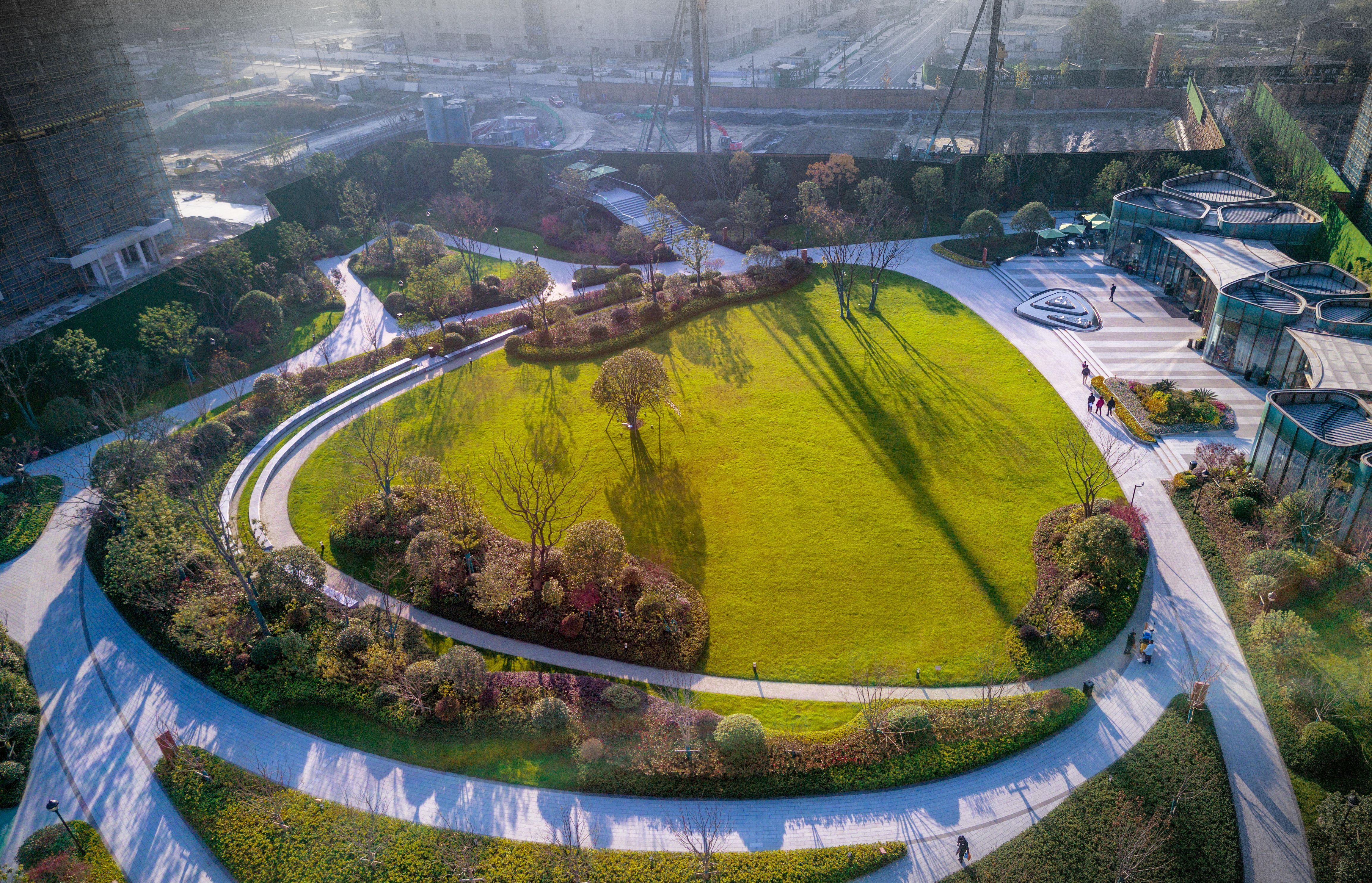 Park Residential Pengbu Central Commons Takes Advantage Of A Rare Opportunity To Establish A Park Landscape Landscape Features Landscape Architecture Design