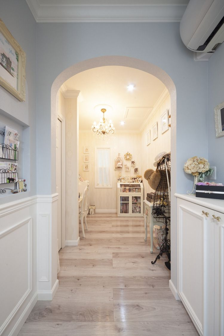 水色と白のやさしい色調 フレンチテイストの輸入住宅 ロビンスジャパン