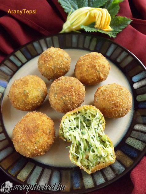 A legjobb Sajtos cukkinigolyók recept fotóval egyenesen a Receptneked.hu gyűjteményéből. Küldte: aranytepsi