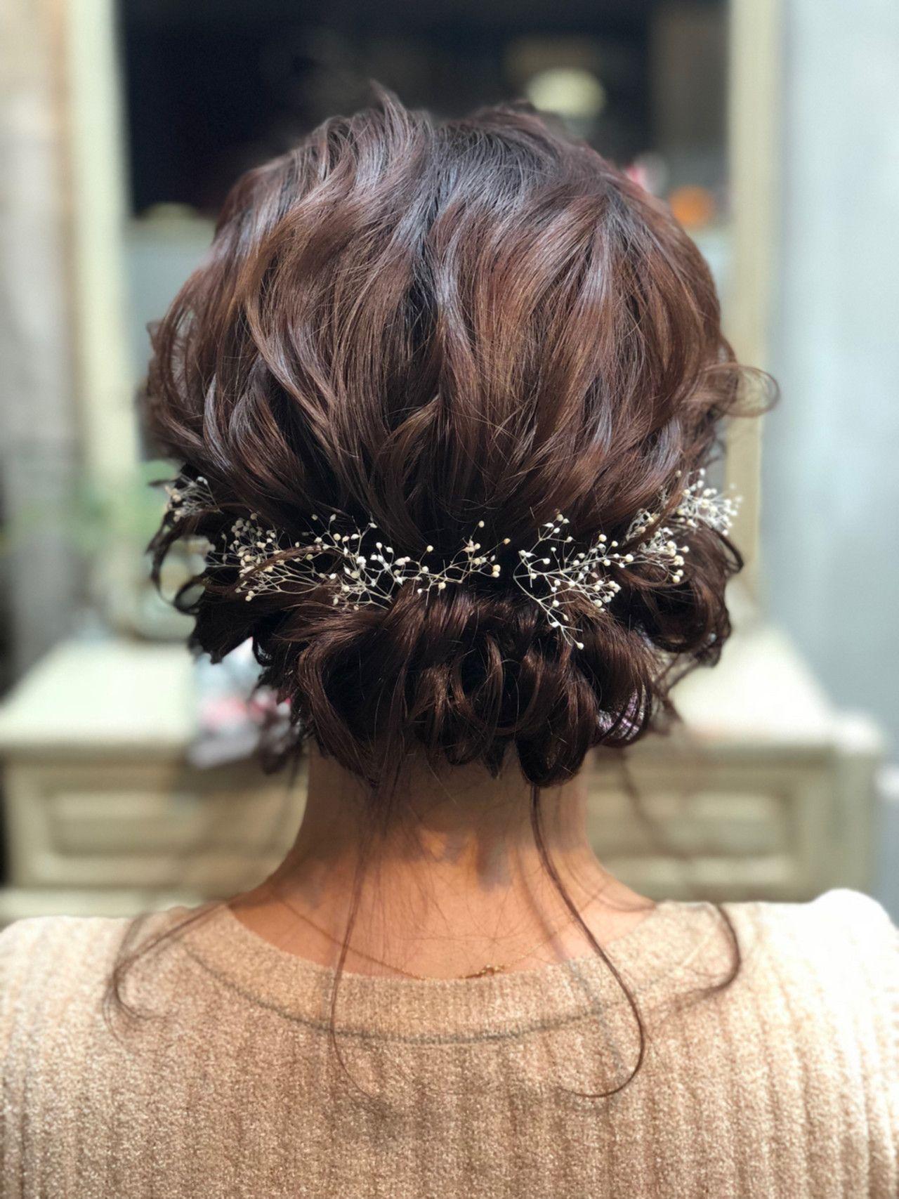 2020年 結婚式お呼ばれ髪型決定版 ボブからロングまで人気ヘアアレンジをご紹介 みんなのウェディングニュース 結婚式 お呼ばれ 髪型 ヘアアレンジ ロング 結婚式 ボブ ヘアアレンジ 結婚式
