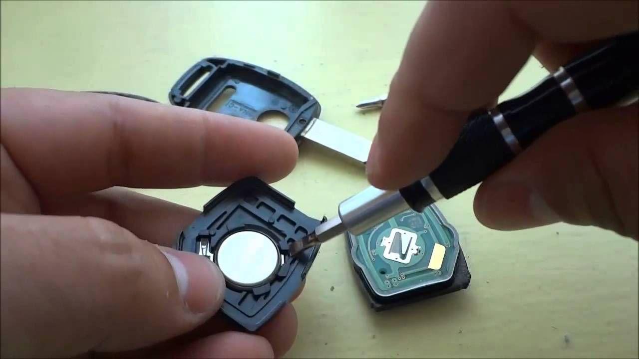 How To Change A Honda CRV Key Fob Battery (2005 2013