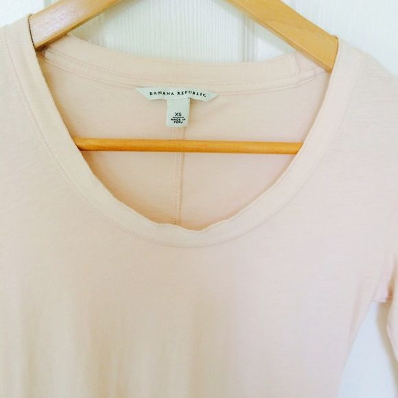 Banana Republic So comfy in soft blush color. Worn twice Banana Republic Tops Tees - Long Sleeve