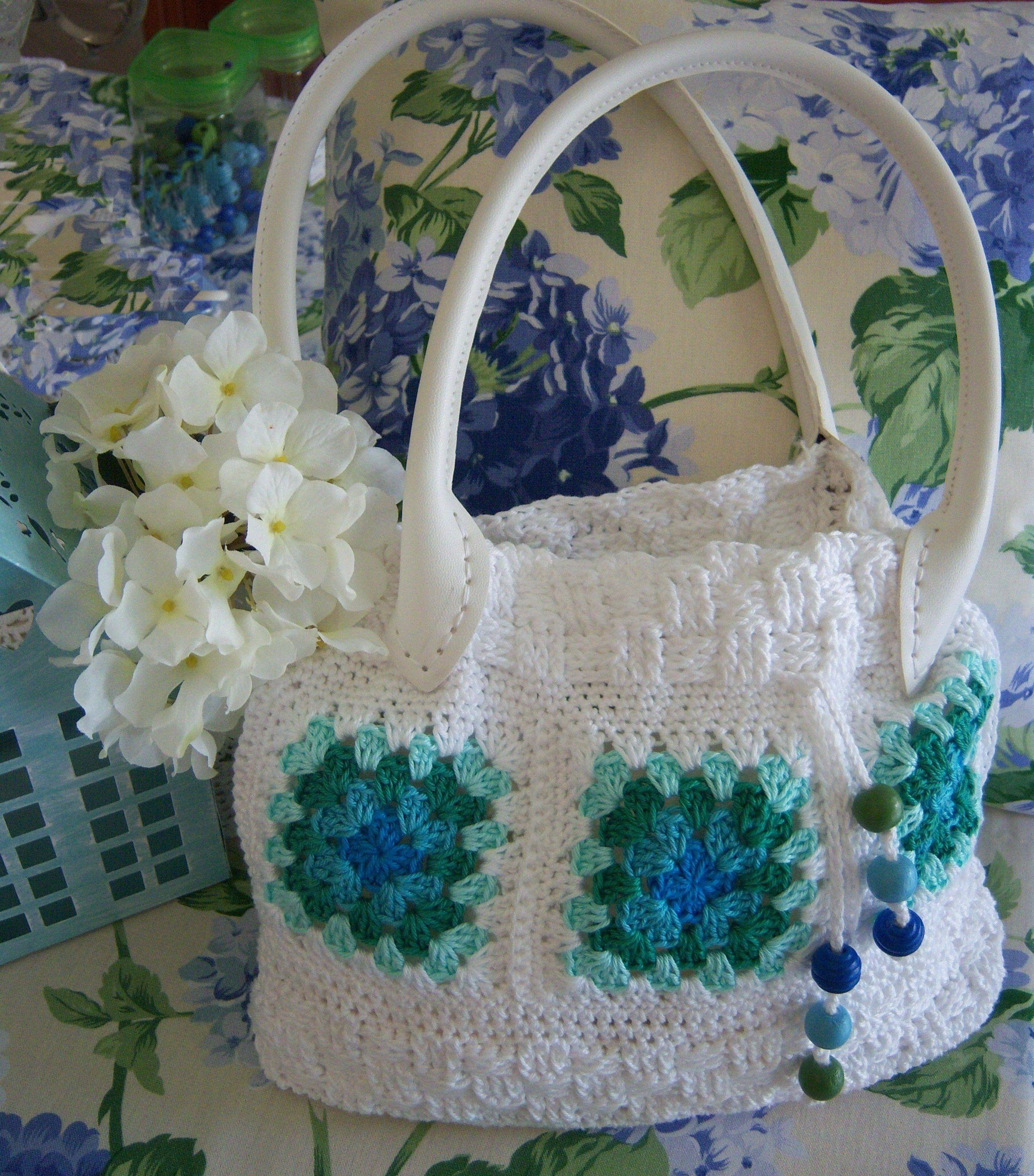 Granny - Tasche in weiß Design : Gerlinde Gebert Shop: www.gebert-handarbeiten.de