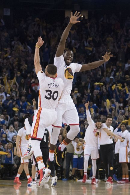 Stephen Curry And Warriors Lambast Clippers Oakland California Steph Curry Finished With 43 In Three Quarters Klay Thompson 2018 Nba Champions Nba Champions