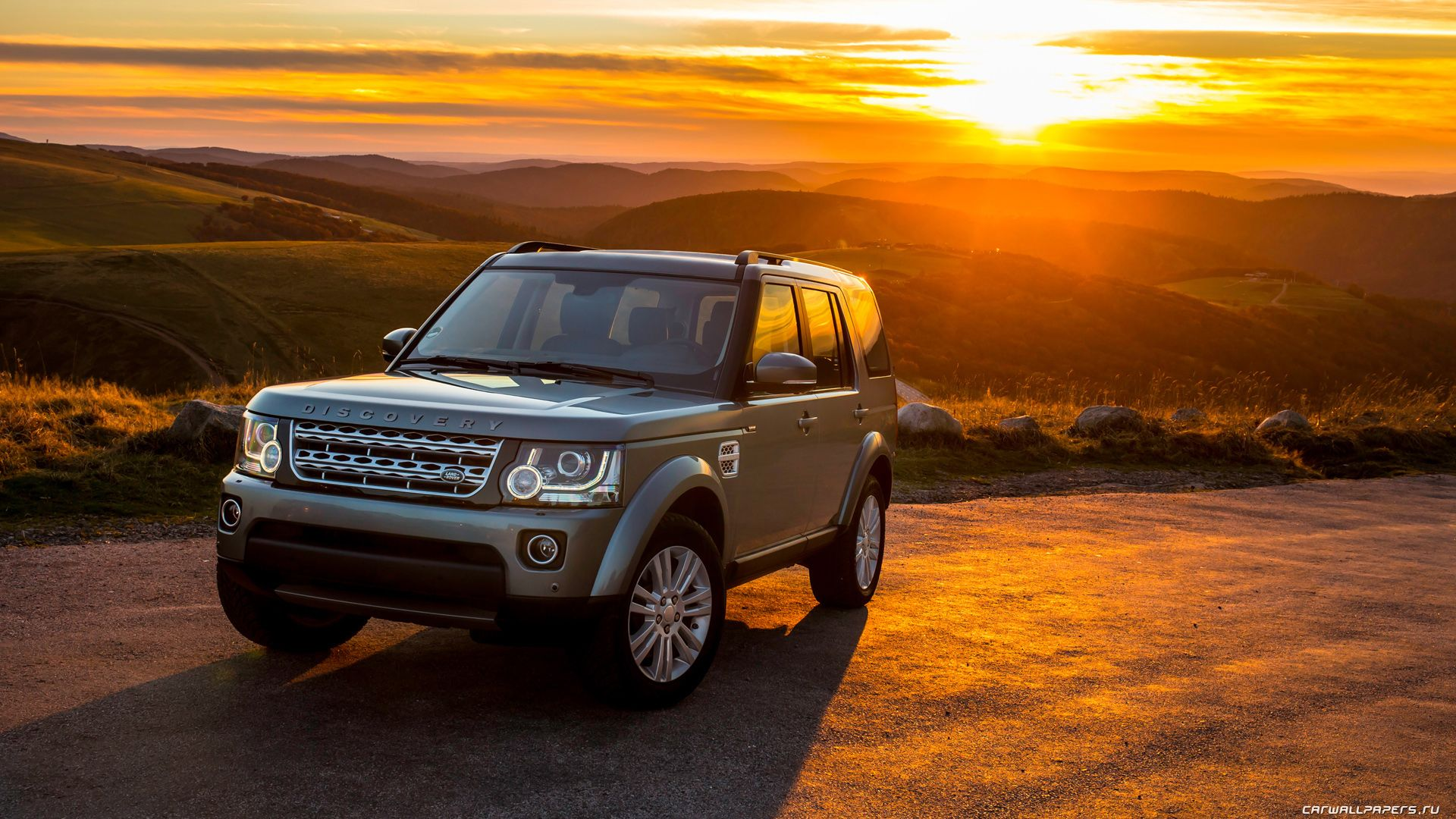 Land rover discovery 4 scv6 hse 2014 1920x1080