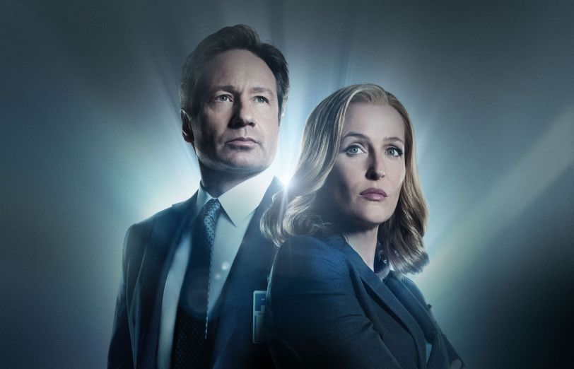 X-Files Mulder and Scully in New Season starting Sun jan 24!