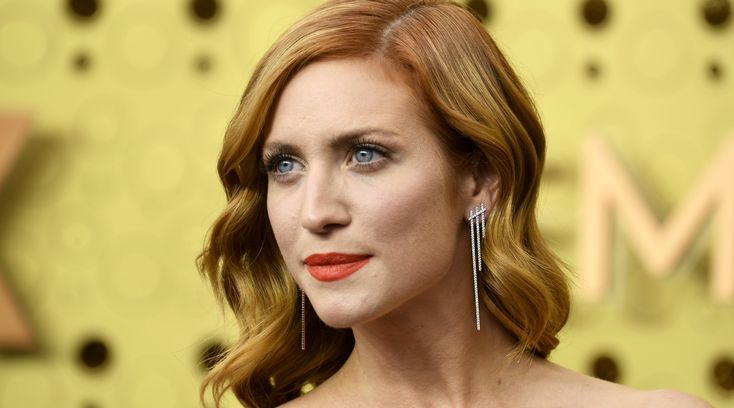 All The Prettiest Lipsticks At The Emmy Awards (& Where To Shop Them) - -