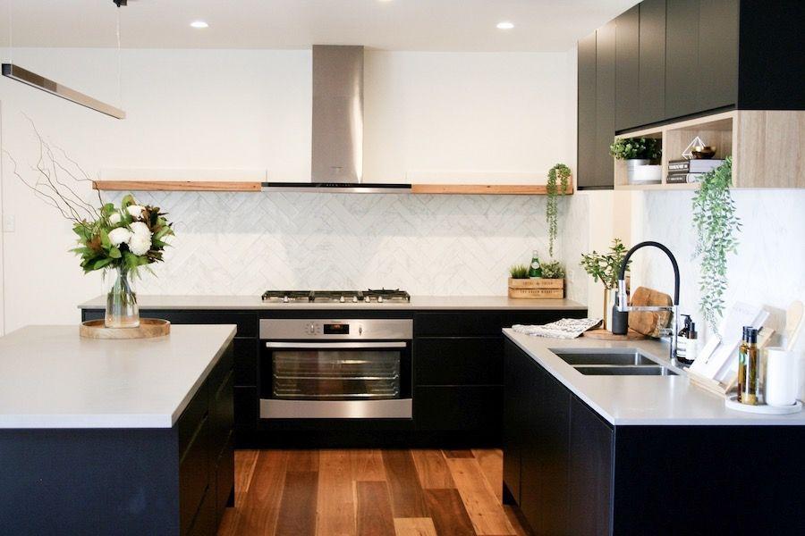 Best Matte Black And Timber Accent Kitchen Simple Kitchen Design 400 x 300