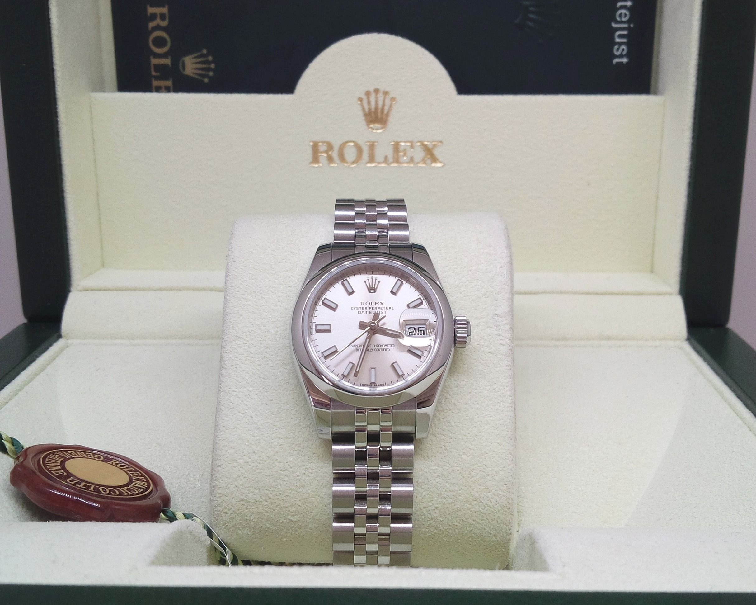 Lady's Rolex Watch: Oyster Perpetual, Datejust ...