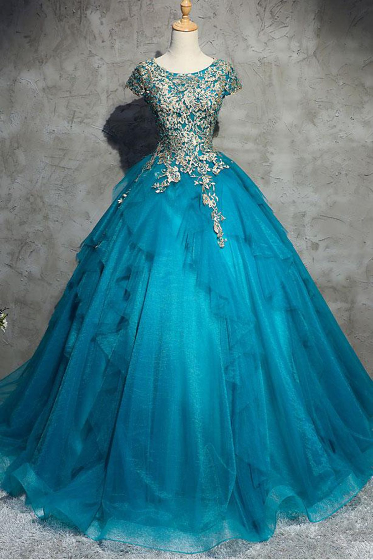 3121307bb84 Unique Blue Tulle Lace Top Round Neck Winter Formal Prom Dresses ...