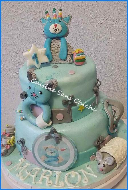 Gâteau thème : Moulin Roty. Les patchats.Toute la décoration du gâteau , est réalisée à la main sans moule, en pâte à sucre. Tout est comestible.