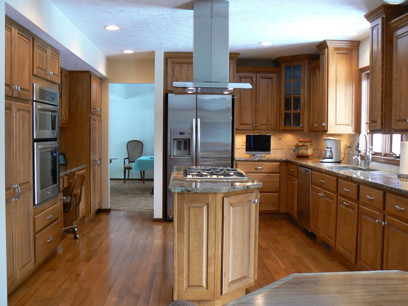 70 Amish Cabinet Makers Indiana Apartment Kitchen Cabinet Ideas Check More At Http Kitchen Cabinet Makers Amish Kitchen Cabinets Kitchen Island Countertop