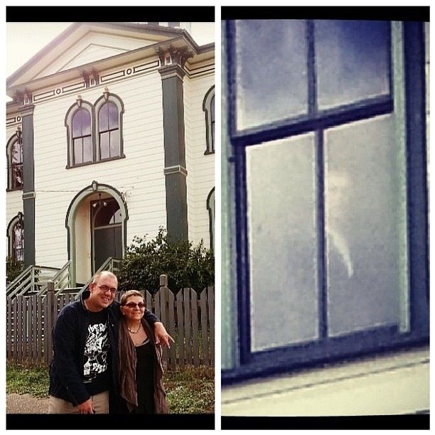 BODEGA BAY SCHOOLHOUSE! Where The Bird's was filmed. In the window above the apparition you will see ecto mist forming and it almost looks as though it is trying to manifest into a human shaped apparition as well.