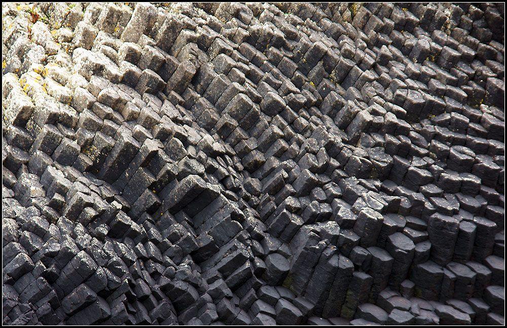 Basalt columns · Staffa © Johannes Ekart
