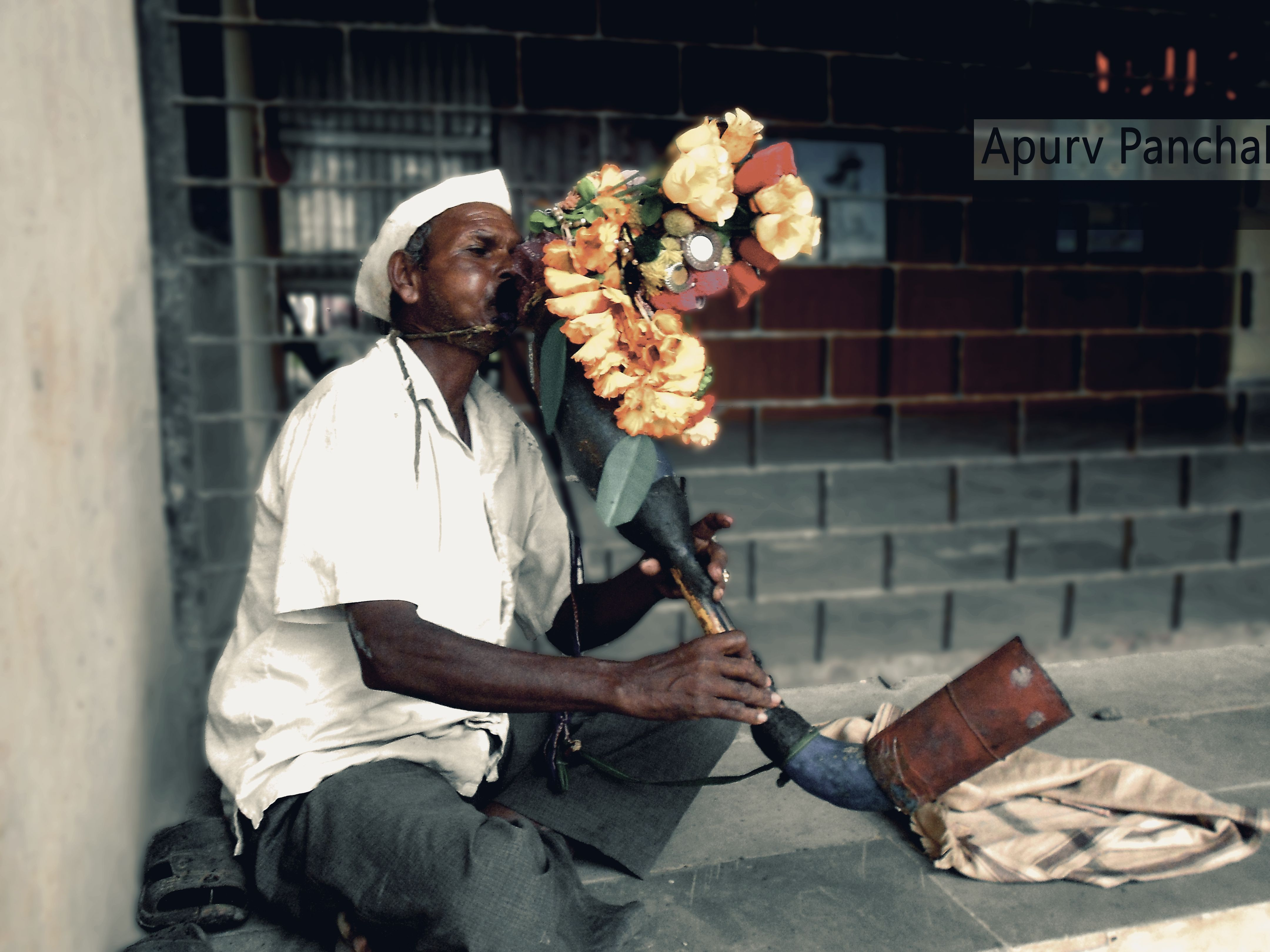 #street #StreetPhotography #Saputara #Gujarat #Music #instrument #Photoshop #NoDSLR ;D #OLD #Soulful