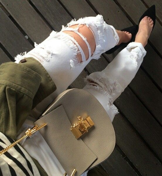 Ripped jeans  @dagawalewska