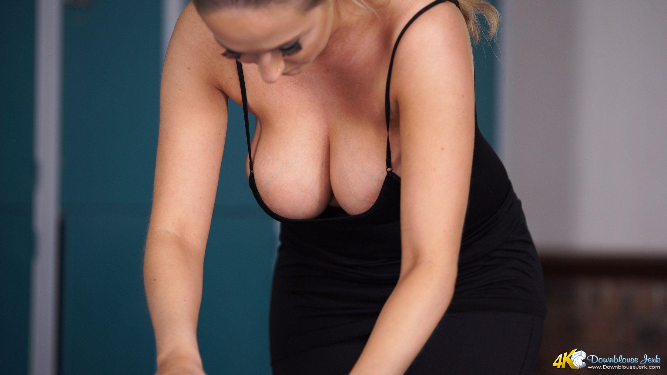 Cleavages LowCut Tops Bending Over  Low cut top  Big tits big boobs bouncing boobs huge